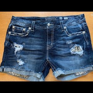 Miss Me Shorts. Size 32.